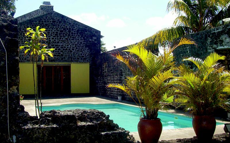 Cafe des Arts Mauritius pool