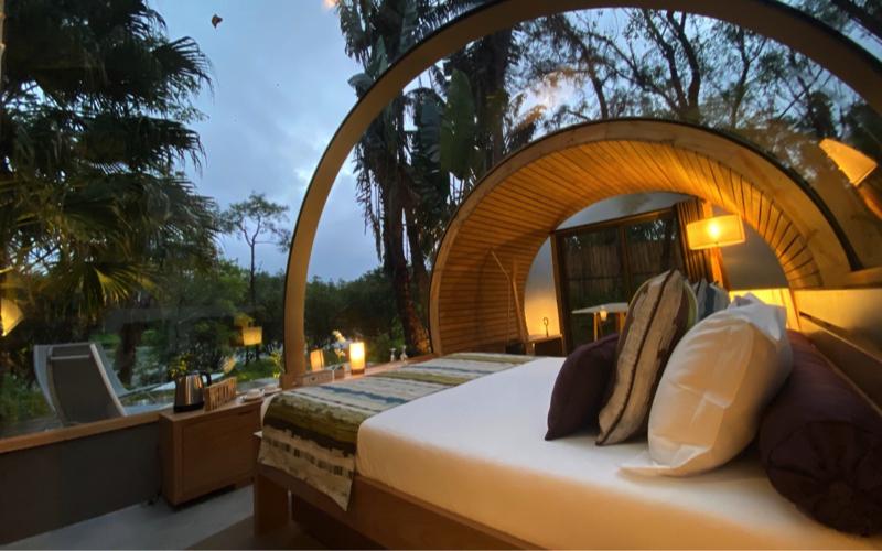 Bubble Lodge at dusk